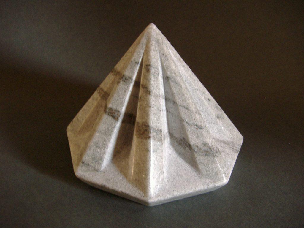 Star pyramid / Marble