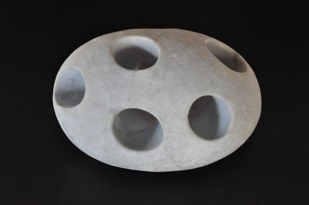 7 holes / Marble, 8.4x12.4x7.2cm, about 1.0kg